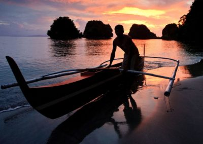 leyte-and-samar-fisherman-at-sunset